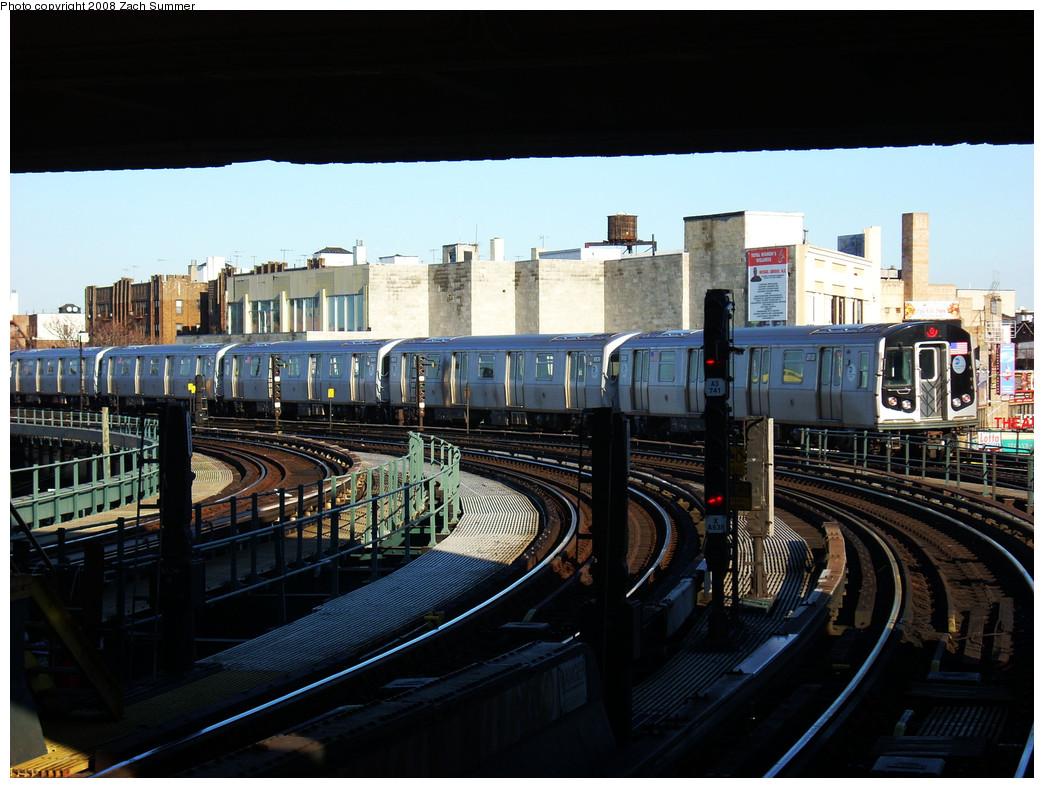 (271k, 1044x788)<br><b>Country:</b> United States<br><b>City:</b> New York<br><b>System:</b> New York City Transit<br><b>Line:</b> BMT Brighton Line<br><b>Location:</b> Brighton Beach <br><b>Route:</b> Q<br><b>Car:</b> R-160B (Kawasaki, 2005-2008)  8938 <br><b>Photo by:</b> Zach Summer<br><b>Date:</b> 12/25/2008<br><b>Viewed (this week/total):</b> 1 / 1564