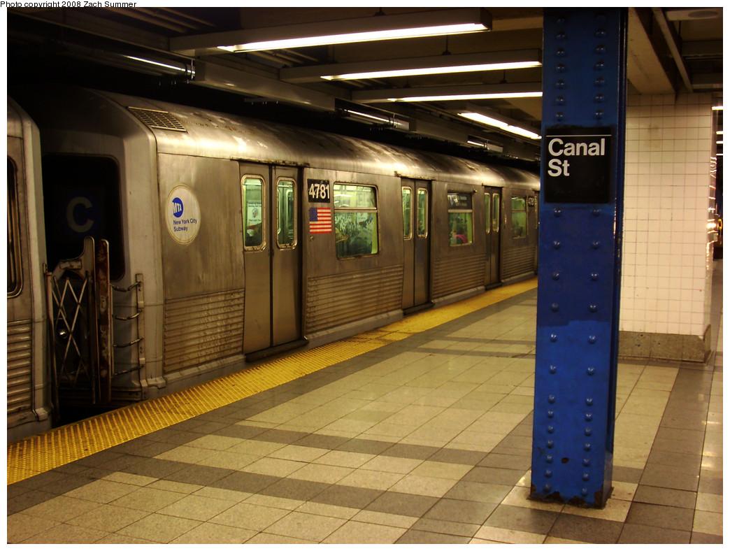 (273k, 1044x788)<br><b>Country:</b> United States<br><b>City:</b> New York<br><b>System:</b> New York City Transit<br><b>Line:</b> IND 8th Avenue Line<br><b>Location:</b> Canal Street-Holland Tunnel <br><b>Route:</b> C<br><b>Car:</b> R-42 (St. Louis, 1969-1970)  4781 <br><b>Photo by:</b> Zach Summer<br><b>Date:</b> 12/26/2008<br><b>Viewed (this week/total):</b> 0 / 1525