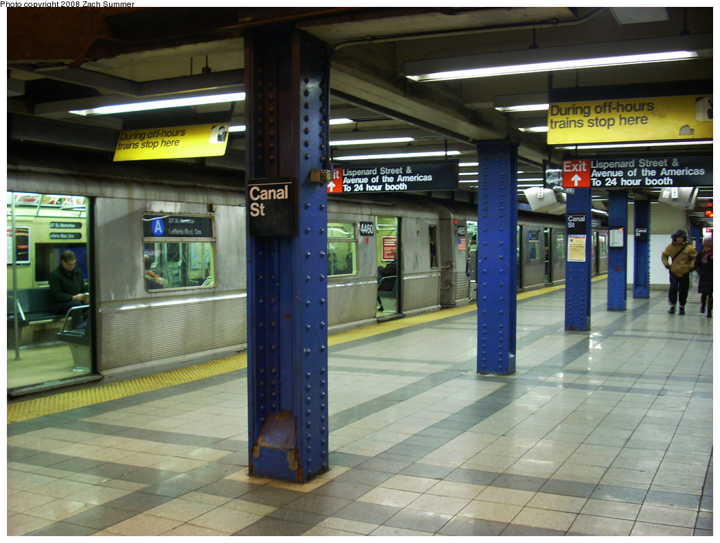 (278k, 1044x788)<br><b>Country:</b> United States<br><b>City:</b> New York<br><b>System:</b> New York City Transit<br><b>Line:</b> IND 8th Avenue Line<br><b>Location:</b> Canal Street-Holland Tunnel <br><b>Route:</b> A<br><b>Car:</b> R-40M (St. Louis, 1969)  4460 <br><b>Photo by:</b> Zach Summer<br><b>Date:</b> 12/26/2008<br><b>Notes:</b> R40M 4460/R42 4665 mismated pair.<br><b>Viewed (this week/total):</b> 0 / 1987