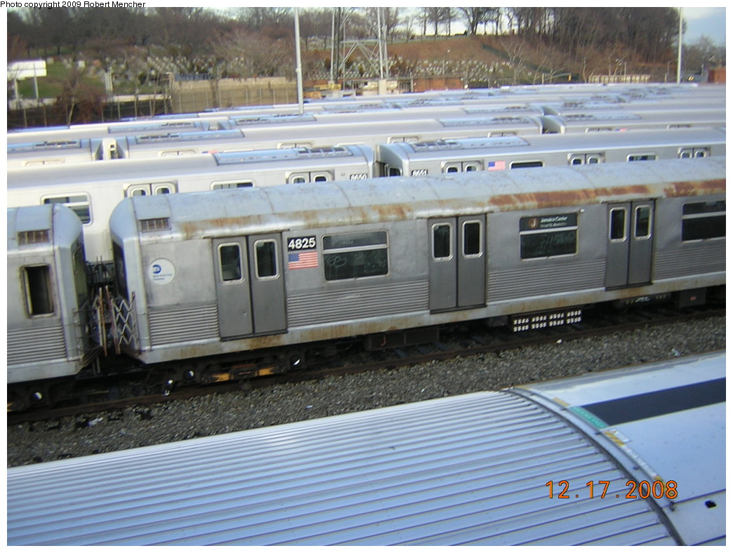 (256k, 1044x788)<br><b>Country:</b> United States<br><b>City:</b> New York<br><b>System:</b> New York City Transit<br><b>Location:</b> East New York Yard/Shops<br><b>Car:</b> R-42 (St. Louis, 1969-1970)  4825 <br><b>Photo by:</b> Robert Mencher<br><b>Date:</b> 12/17/2008<br><b>Viewed (this week/total):</b> 2 / 951