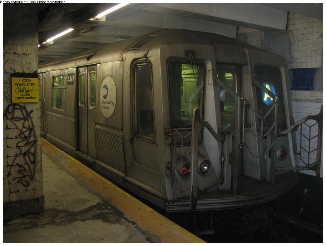 (201k, 1044x788)<br><b>Country:</b> United States<br><b>City:</b> New York<br><b>System:</b> New York City Transit<br><b>Line:</b> IND 8th Avenue Line<br><b>Location:</b> Jay St./Metrotech (Borough Hall) <br><b>Route:</b> A<br><b>Car:</b> R-40 (St. Louis, 1968)  4347 <br><b>Photo by:</b> Robert Mencher<br><b>Date:</b> 12/27/2008<br><b>Viewed (this week/total):</b> 1 / 1636