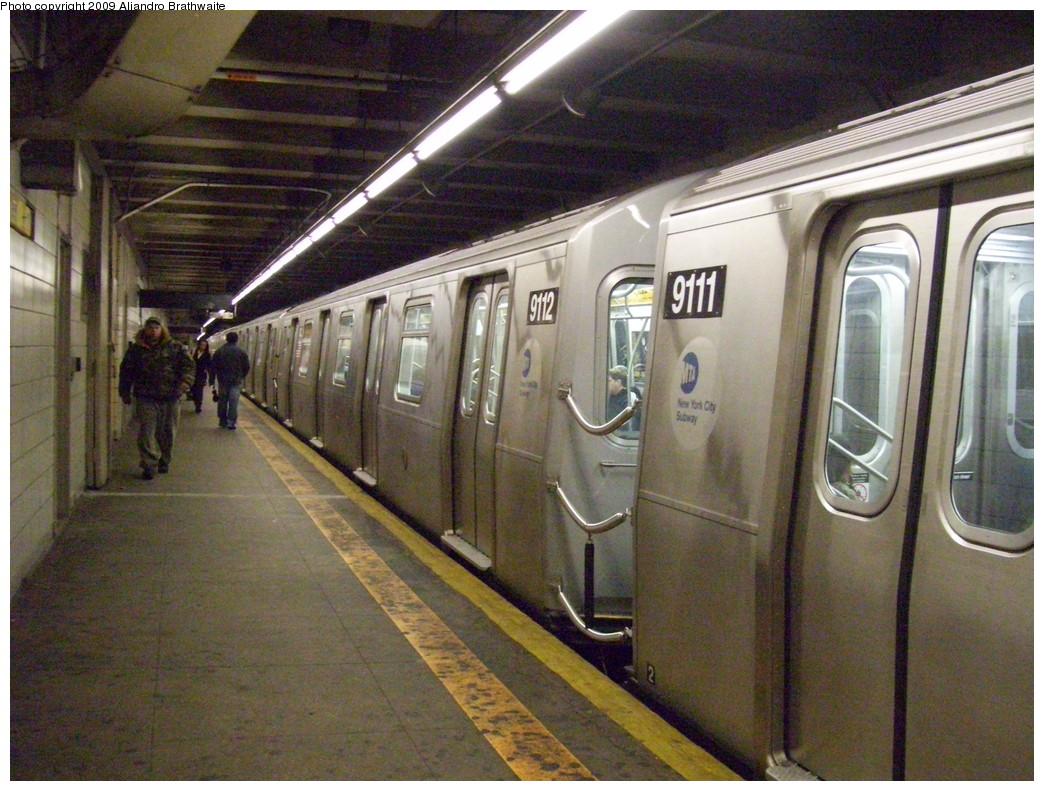 (271k, 1044x791)<br><b>Country:</b> United States<br><b>City:</b> New York<br><b>System:</b> New York City Transit<br><b>Line:</b> BMT 4th Avenue<br><b>Location:</b> 9th Street <br><b>Route:</b> N<br><b>Car:</b> R-160B (Option 1) (Kawasaki, 2008-2009)  9112 <br><b>Photo by:</b> Aliandro Brathwaite<br><b>Date:</b> 12/20/2008<br><b>Viewed (this week/total):</b> 1 / 2390
