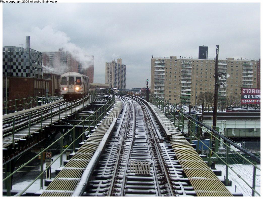 (264k, 1044x791)<br><b>Country:</b> United States<br><b>City:</b> New York<br><b>System:</b> New York City Transit<br><b>Line:</b> BMT Culver Line<br><b>Location:</b> Neptune Avenue <br><b>Route:</b> F<br><b>Car:</b> R-46 (Pullman-Standard, 1974-75) 5740 <br><b>Photo by:</b> Aliandro Brathwaite<br><b>Date:</b> 12/20/2008<br><b>Viewed (this week/total):</b> 3 / 2346