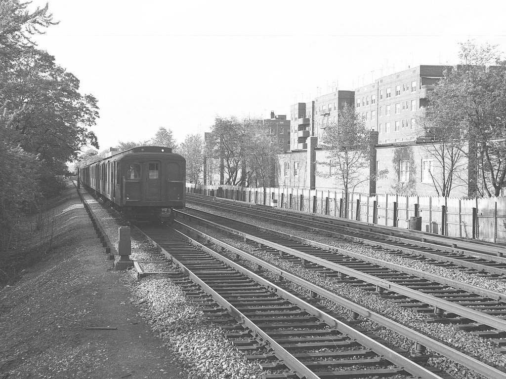 (262k, 820x559)<br><b>Country:</b> United States<br><b>City:</b> New York<br><b>System:</b> New York City Transit<br><b>Location:</b> Corona Yard<br><b>Car:</b> Low-V (Museum Train) 5466 <br><b>Photo by:</b> Joel Shanus<br><b>Date:</b> 9/21/1965<br><b>Viewed (this week/total):</b> 1 / 2049
