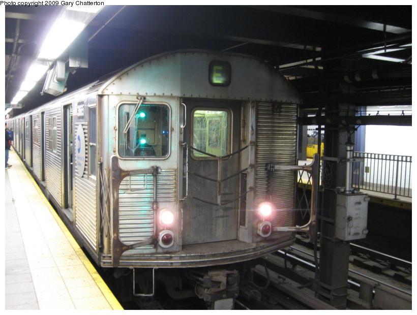 (129k, 820x620)<br><b>Country:</b> United States<br><b>City:</b> New York<br><b>System:</b> New York City Transit<br><b>Line:</b> IND Queens Boulevard Line<br><b>Location:</b> Queens Plaza <br><b>Route:</b> E<br><b>Car:</b> R-32 (Budd, 1964)  3665 <br><b>Photo by:</b> Gary Chatterton<br><b>Date:</b> 12/14/2008<br><b>Viewed (this week/total):</b> 0 / 1413