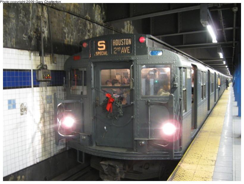 (128k, 820x620)<br><b>Country:</b> United States<br><b>City:</b> New York<br><b>System:</b> New York City Transit<br><b>Line:</b> IND 6th Avenue Line<br><b>Location:</b> Broadway/Lafayette <br><b>Route:</b> Museum Train Service (V)<br><b>Car:</b> R-9 (Pressed Steel, 1940)  1802 <br><b>Photo by:</b> Gary Chatterton<br><b>Date:</b> 12/14/2008<br><b>Viewed (this week/total):</b> 2 / 1686