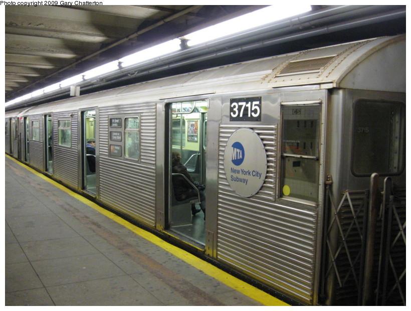 (148k, 820x620)<br><b>Country:</b> United States<br><b>City:</b> New York<br><b>System:</b> New York City Transit<br><b>Line:</b> IND 6th Avenue Line<br><b>Location:</b> 23rd Street <br><b>Route:</b> F<br><b>Car:</b> R-32 (Budd, 1964)  3715 <br><b>Photo by:</b> Gary Chatterton<br><b>Date:</b> 12/14/2008<br><b>Viewed (this week/total):</b> 0 / 1393