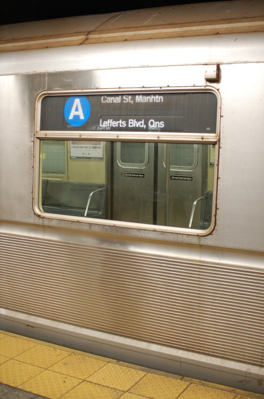 (160k, 531x800)<br><b>Country:</b> United States<br><b>City:</b> New York<br><b>System:</b> New York City Transit<br><b>Line:</b> IND 8th Avenue Line<br><b>Location:</b> 207th Street <br><b>Route:</b> A<br><b>Car:</b> R-40 (St. Louis, 1968)   <br><b>Photo by:</b> Brian Weinberg<br><b>Date:</b> 1/5/2009<br><b>Viewed (this week/total):</b> 2 / 1422