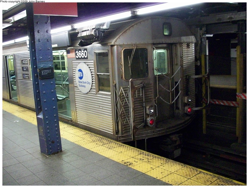 (255k, 1044x788)<br><b>Country:</b> United States<br><b>City:</b> New York<br><b>System:</b> New York City Transit<br><b>Line:</b> IND 8th Avenue Line<br><b>Location:</b> Chambers Street/World Trade Center <br><b>Route:</b> E<br><b>Car:</b> R-32 (Budd, 1964)  3660 <br><b>Photo by:</b> John Barnes<br><b>Date:</b> 12/19/2008<br><b>Viewed (this week/total):</b> 2 / 1223