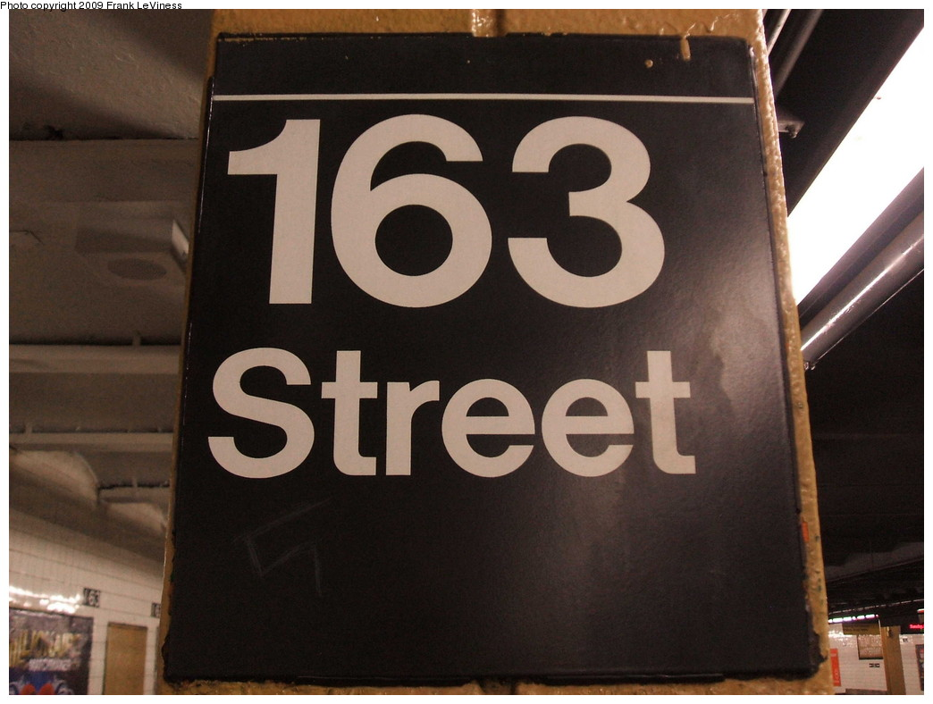 (169k, 1044x788)<br><b>Country:</b> United States<br><b>City:</b> New York<br><b>System:</b> New York City Transit<br><b>Line:</b> IND 8th Avenue Line<br><b>Location:</b> 163rd Street/Amsterdam Avenue <br><b>Photo by:</b> Frank LeViness<br><b>Date:</b> 12/23/2008<br><b>Notes:</b> Column sign.<br><b>Viewed (this week/total):</b> 1 / 1174