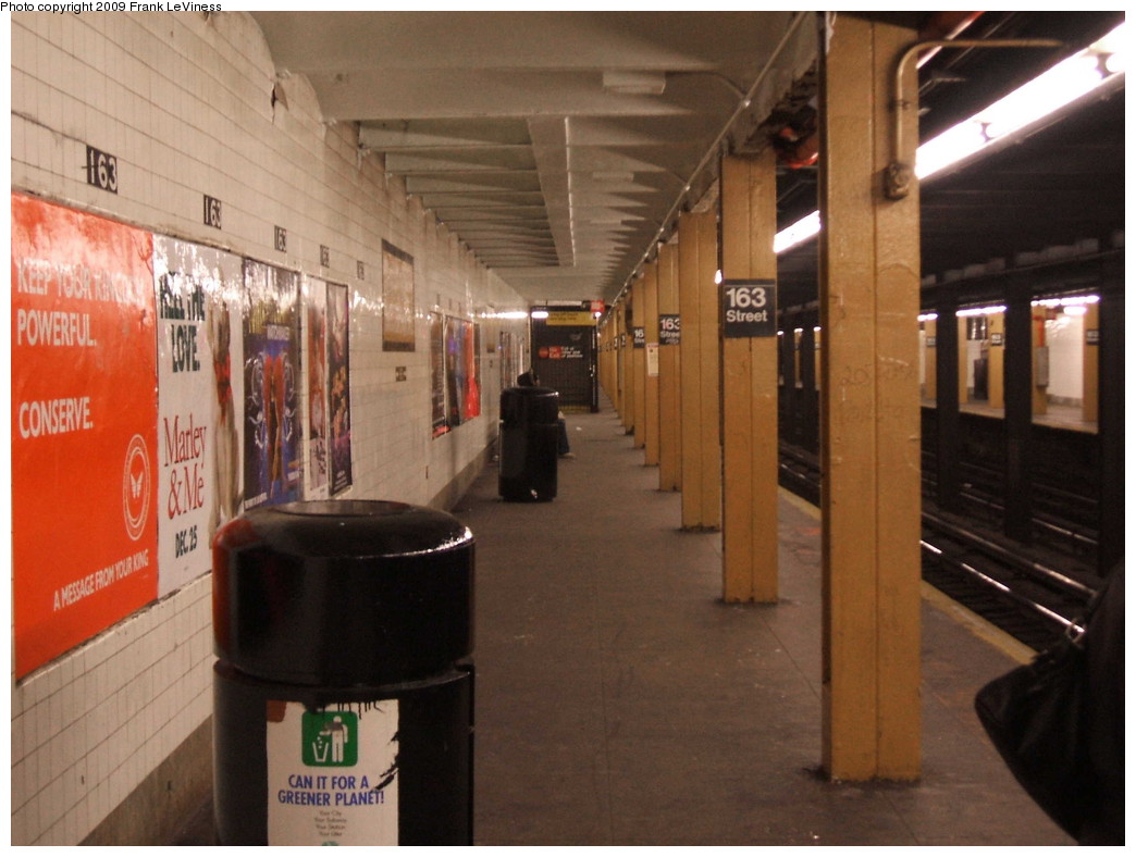 (185k, 1044x788)<br><b>Country:</b> United States<br><b>City:</b> New York<br><b>System:</b> New York City Transit<br><b>Line:</b> IND 8th Avenue Line<br><b>Location:</b> 163rd Street/Amsterdam Avenue <br><b>Photo by:</b> Frank LeViness<br><b>Date:</b> 12/23/2008<br><b>Notes:</b> Platform view.<br><b>Viewed (this week/total):</b> 0 / 1586