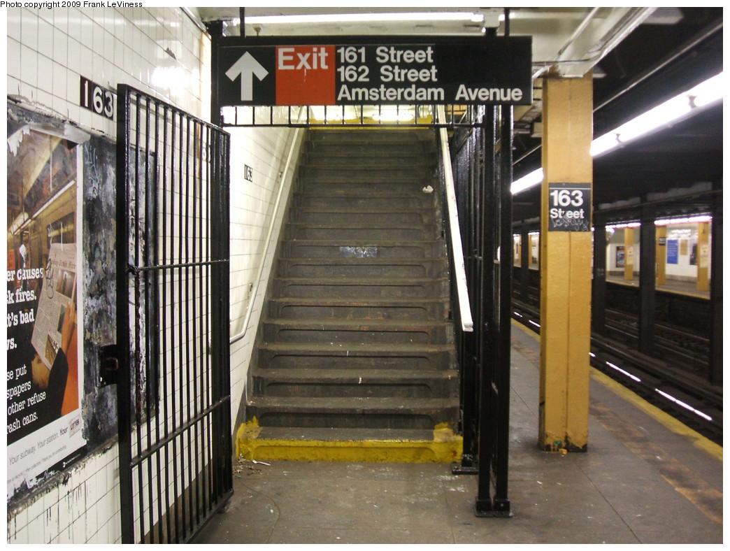 (251k, 1044x788)<br><b>Country:</b> United States<br><b>City:</b> New York<br><b>System:</b> New York City Transit<br><b>Line:</b> IND 8th Avenue Line<br><b>Location:</b> 163rd Street/Amsterdam Avenue <br><b>Photo by:</b> Frank LeViness<br><b>Date:</b> 12/23/2008<br><b>Notes:</b> Staircase to mezzanine.<br><b>Viewed (this week/total):</b> 0 / 1606