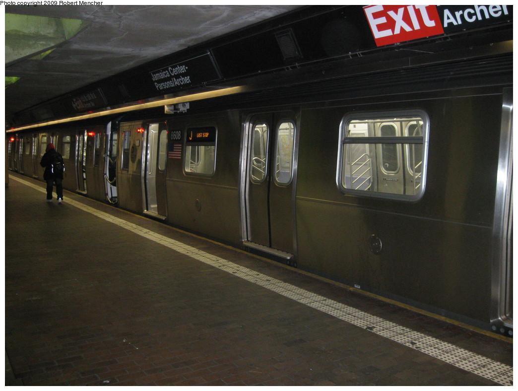 (200k, 1044x788)<br><b>Country:</b> United States<br><b>City:</b> New York<br><b>System:</b> New York City Transit<br><b>Line:</b> BMT Nassau Street/Jamaica Line<br><b>Location:</b> Jamaica Center/Parsons-Archer <br><b>Route:</b> J<br><b>Car:</b> R-160A-1 (Alstom, 2005-2008, 4 car sets)  8608 <br><b>Photo by:</b> Robert Mencher<br><b>Date:</b> 1/4/2009<br><b>Notes:</b> Lower Level<br><b>Viewed (this week/total):</b> 1 / 1427