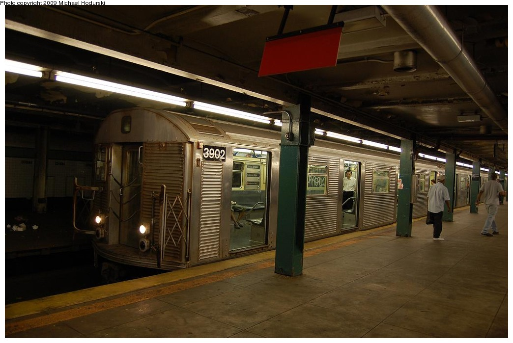 (197k, 1044x699)<br><b>Country:</b> United States<br><b>City:</b> New York<br><b>System:</b> New York City Transit<br><b>Line:</b> IND Fulton Street Line<br><b>Location:</b> Hoyt-Schermerhorn Street <br><b>Route:</b> A<br><b>Car:</b> R-32 (Budd, 1964)  3902 <br><b>Photo by:</b> Michael Hodurski<br><b>Date:</b> 8/1/2008<br><b>Viewed (this week/total):</b> 0 / 1675