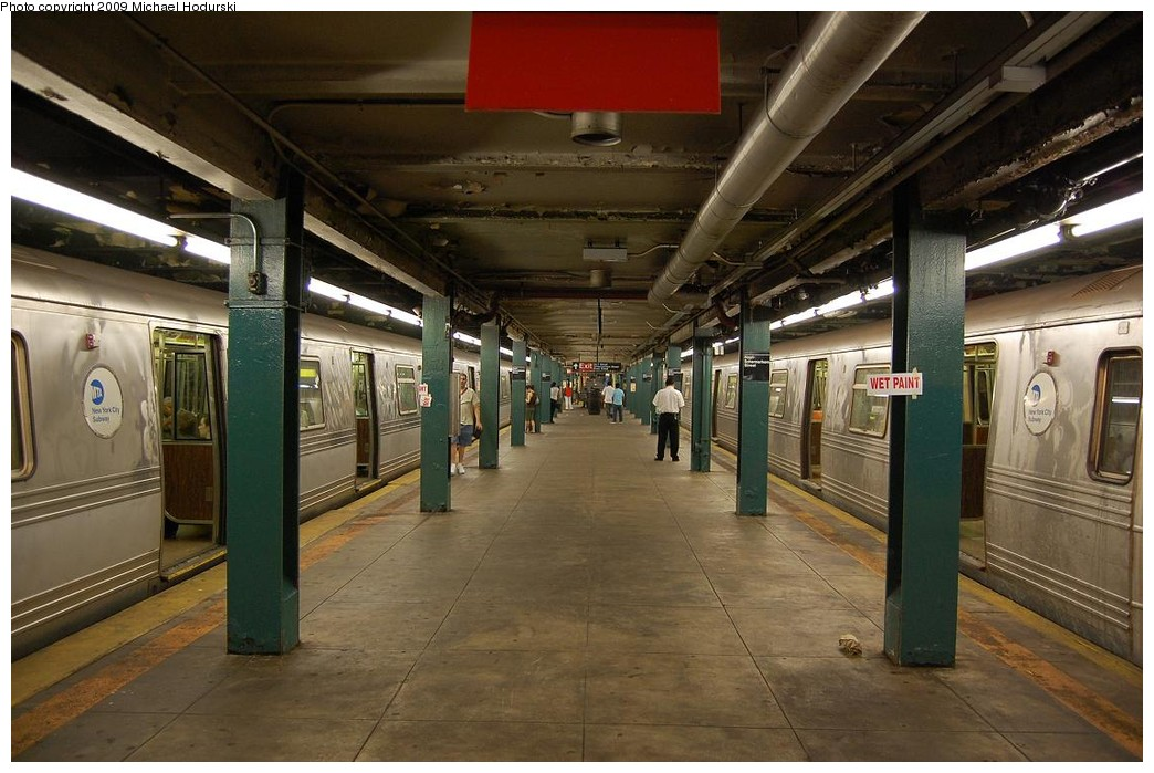(224k, 1044x699)<br><b>Country:</b> United States<br><b>City:</b> New York<br><b>System:</b> New York City Transit<br><b>Line:</b> IND Fulton Street Line<br><b>Location:</b> Hoyt-Schermerhorn Street <br><b>Photo by:</b> Michael Hodurski<br><b>Date:</b> 8/1/2008<br><b>Viewed (this week/total):</b> 0 / 1562