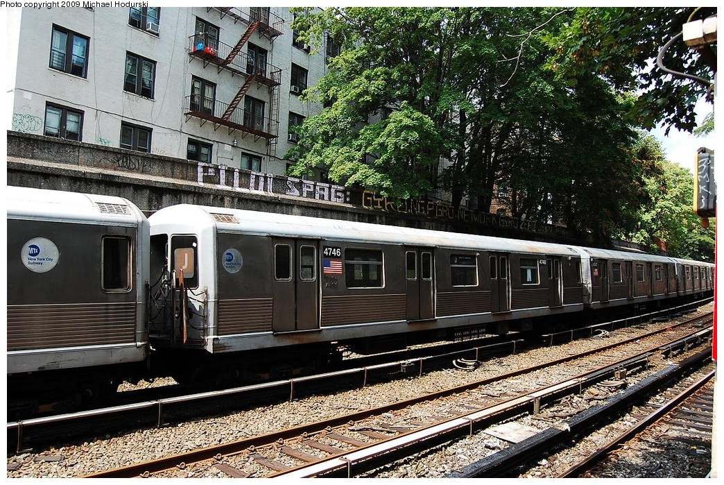 (370k, 1044x699)<br><b>Country:</b> United States<br><b>City:</b> New York<br><b>System:</b> New York City Transit<br><b>Line:</b> BMT Brighton Line<br><b>Location:</b> Parkside Avenue <br><b>Route:</b> J shuttle<br><b>Car:</b> R-42 (St. Louis, 1969-1970)  4746 <br><b>Photo by:</b> Michael Hodurski<br><b>Date:</b> 8/29/2008<br><b>Viewed (this week/total):</b> 0 / 1333