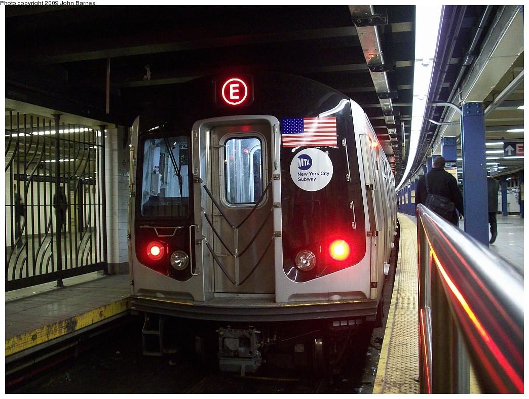 (256k, 1044x788)<br><b>Country:</b> United States<br><b>City:</b> New York<br><b>System:</b> New York City Transit<br><b>Line:</b> IND 8th Avenue Line<br><b>Location:</b> Chambers Street/World Trade Center <br><b>Route:</b> E<br><b>Car:</b> R-160A (Option 1) (Alstom, 2008-2009, 5 car sets)  9238 <br><b>Photo by:</b> John Barnes<br><b>Date:</b> 1/8/2009<br><b>Viewed (this week/total):</b> 2 / 1765
