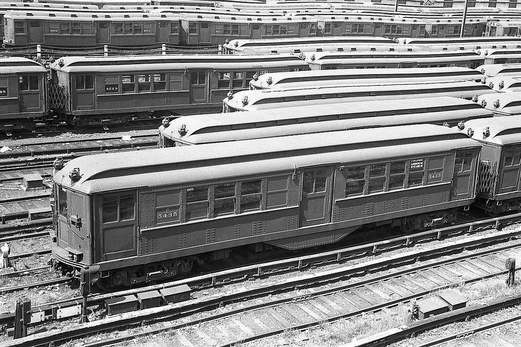(186k, 1044x694)<br><b>Country:</b> United States<br><b>City:</b> New York<br><b>System:</b> New York City Transit<br><b>Line:</b> BMT Canarsie Line<br><b>Location:</b> Broadway Junction <br><b>Car:</b> BMT Bluebird  <br><b>Photo by:</b> Joel Shanus<br><b>Viewed (this week/total):</b> 0 / 1485