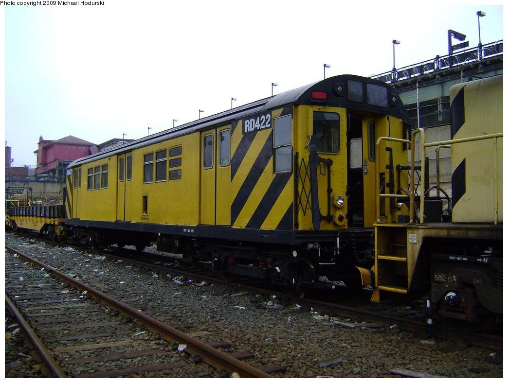 (232k, 1044x788)<br><b>Country:</b> United States<br><b>City:</b> New York<br><b>System:</b> New York City Transit<br><b>Location:</b> 207th Street Yard<br><b>Car:</b> R-161 Rider Car (ex-R-33)  RD422 (ex-8862)<br><b>Photo by:</b> Michael Hodurski<br><b>Date:</b> 12/27/2008<br><b>Viewed (this week/total):</b> 0 / 788