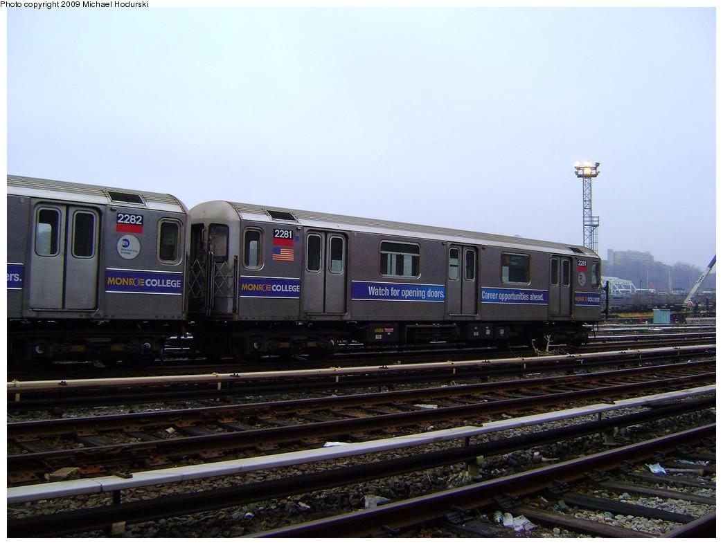 (198k, 1044x788)<br><b>Country:</b> United States<br><b>City:</b> New York<br><b>System:</b> New York City Transit<br><b>Location:</b> 207th Street Yard<br><b>Car:</b> R-62A (Bombardier, 1984-1987)  2281 <br><b>Photo by:</b> Michael Hodurski<br><b>Date:</b> 12/27/2008<br><b>Viewed (this week/total):</b> 2 / 856