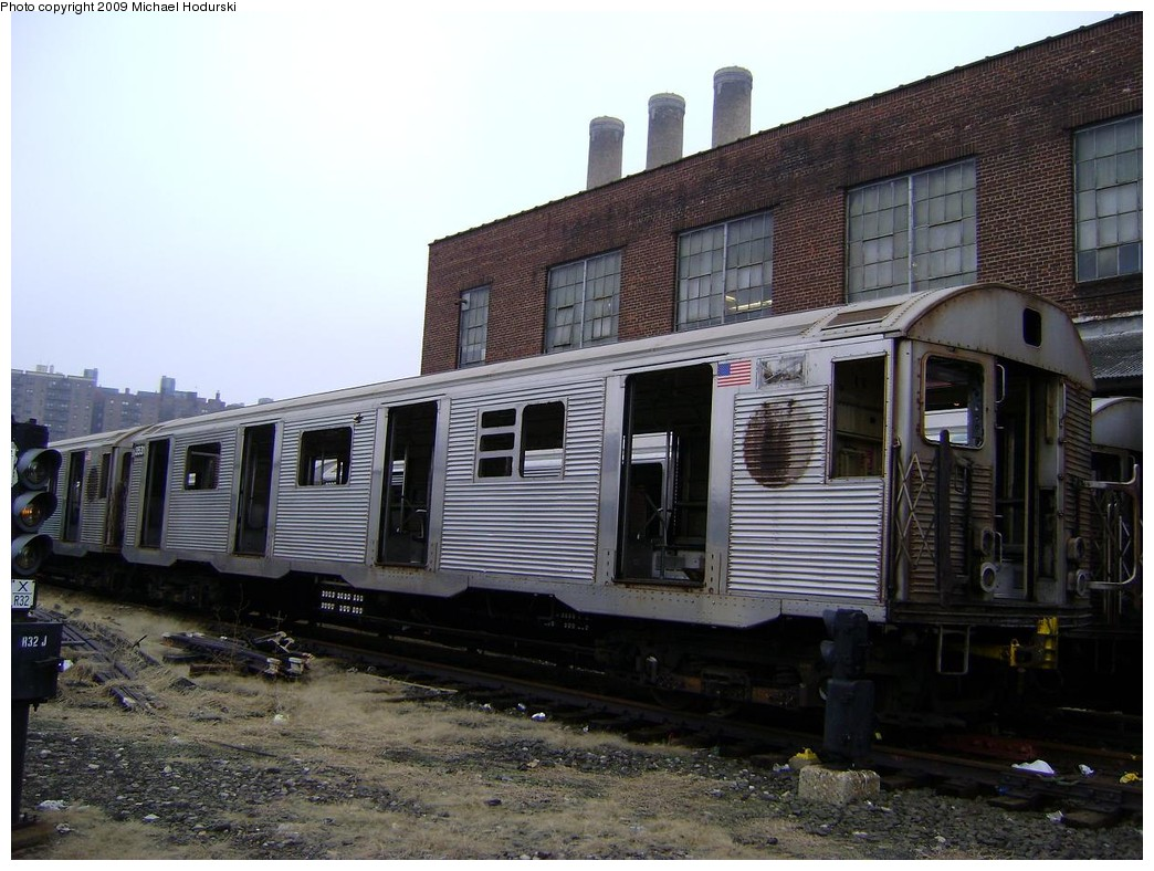 (232k, 1044x788)<br><b>Country:</b> United States<br><b>City:</b> New York<br><b>System:</b> New York City Transit<br><b>Location:</b> 207th Street Yard<br><b>Car:</b> R-32 (Budd, 1964)  3531 <br><b>Photo by:</b> Michael Hodurski<br><b>Date:</b> 12/27/2008<br><b>Notes:</b> Scrap<br><b>Viewed (this week/total):</b> 1 / 1026