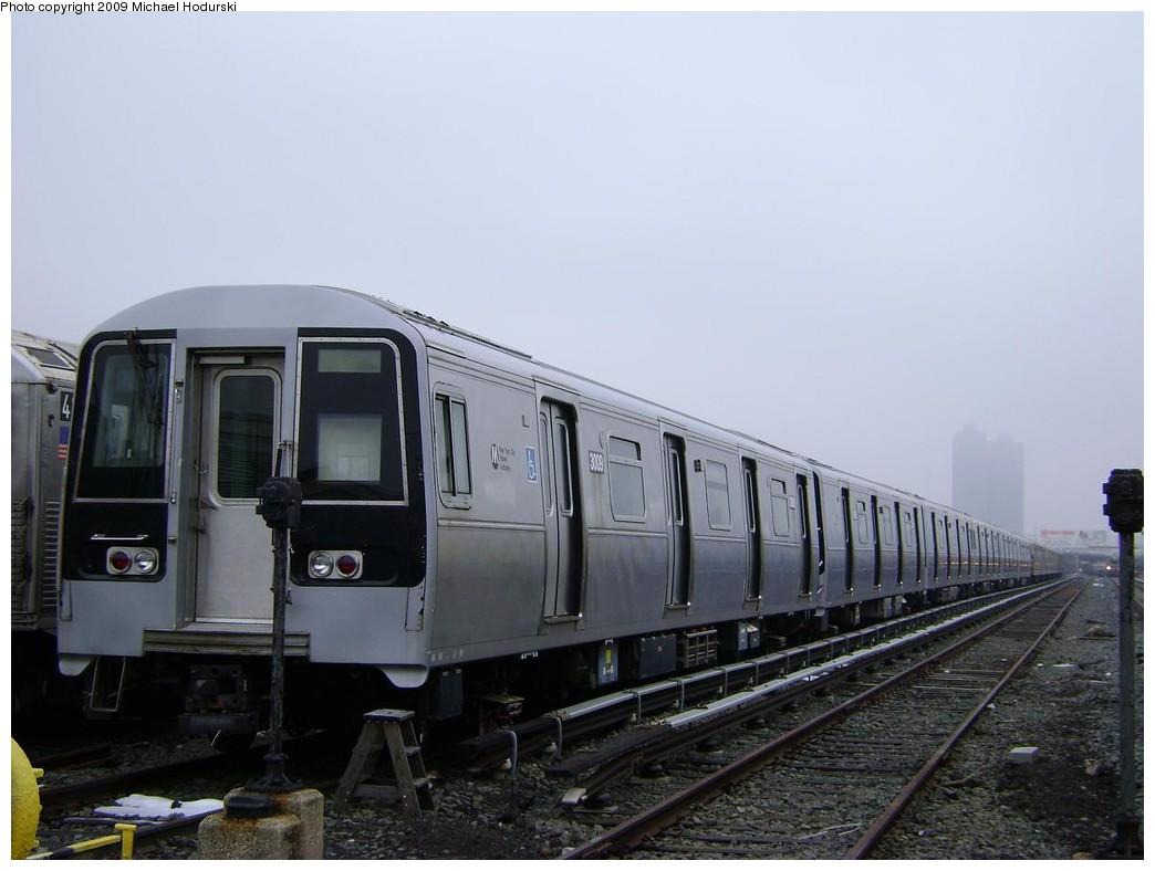 (171k, 1044x788)<br><b>Country:</b> United States<br><b>City:</b> New York<br><b>System:</b> New York City Transit<br><b>Location:</b> 207th Street Yard<br><b>Car:</b> R-110B (Bombardier, 1992) 3009 <br><b>Photo by:</b> Michael Hodurski<br><b>Date:</b> 12/27/2008<br><b>Viewed (this week/total):</b> 0 / 2077