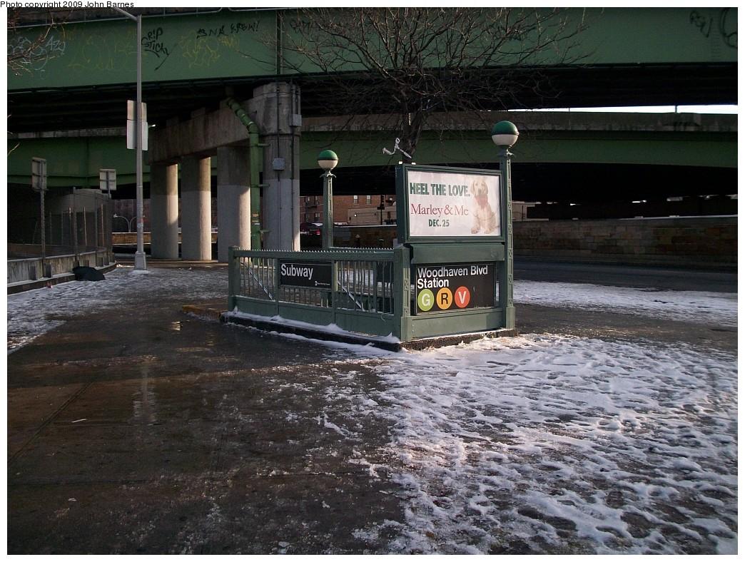 (278k, 1044x788)<br><b>Country:</b> United States<br><b>City:</b> New York<br><b>System:</b> New York City Transit<br><b>Line:</b> IND Queens Boulevard Line<br><b>Location:</b> Woodhaven Boulevard/Queens Mall <br><b>Photo by:</b> John Barnes<br><b>Date:</b> 1/11/2009<br><b>Notes:</b> Station entrance.<br><b>Viewed (this week/total):</b> 0 / 3851