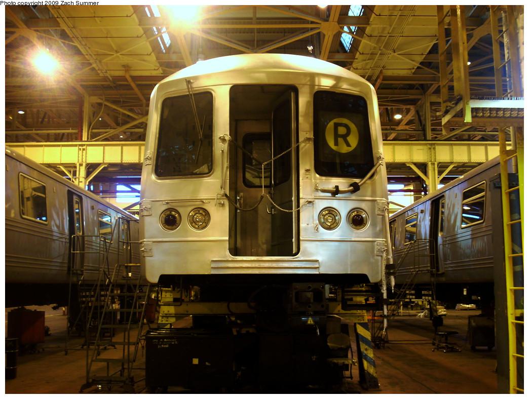 (297k, 1044x788)<br><b>Country:</b> United States<br><b>City:</b> New York<br><b>System:</b> New York City Transit<br><b>Location:</b> Coney Island Shop/Overhaul & Repair Shop<br><b>Car:</b> R-46 (Pullman-Standard, 1974-75) 5742 <br><b>Photo by:</b> Zach Summer<br><b>Date:</b> 12/27/2008<br><b>Viewed (this week/total):</b> 6 / 1259