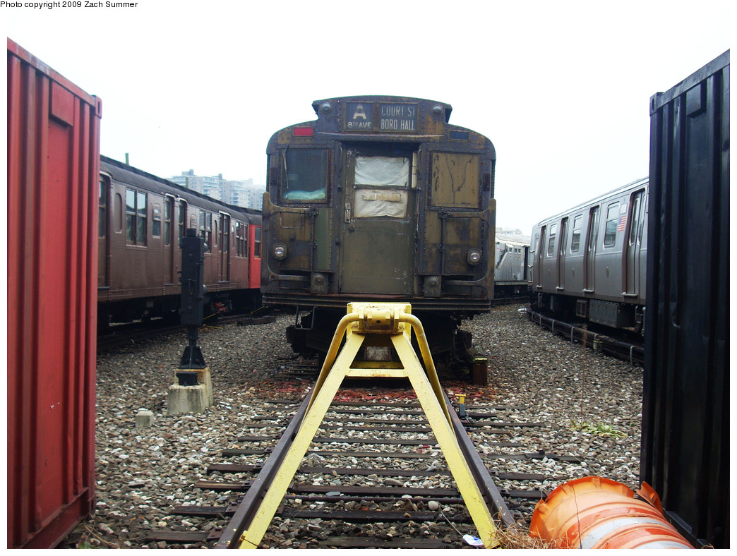 (298k, 1044x788)<br><b>Country:</b> United States<br><b>City:</b> New York<br><b>System:</b> New York City Transit<br><b>Location:</b> Coney Island Yard-Museum Yard<br><b>Car:</b> R-6-3 (American Car & Foundry, 1935)  925 <br><b>Photo by:</b> Zach Summer<br><b>Date:</b> 12/27/2008<br><b>Viewed (this week/total):</b> 1 / 1627