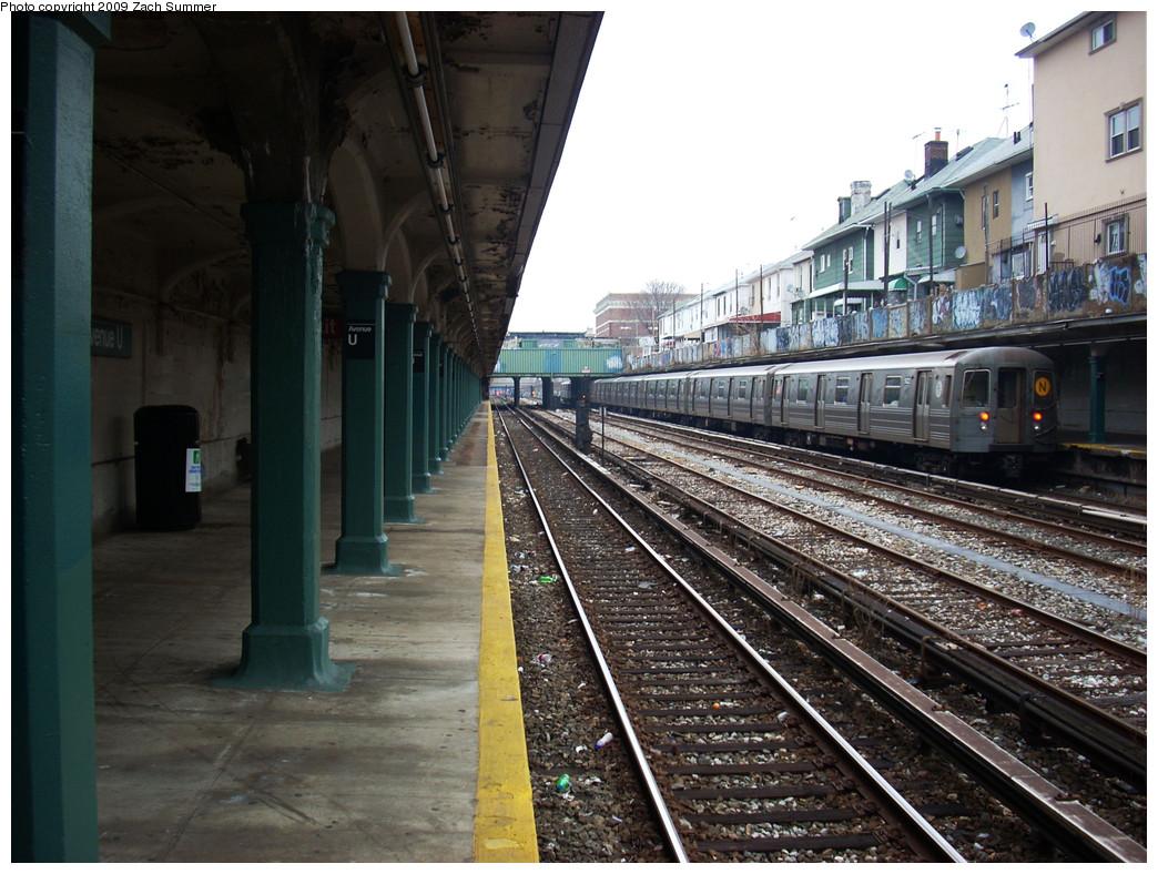 (291k, 1044x788)<br><b>Country:</b> United States<br><b>City:</b> New York<br><b>System:</b> New York City Transit<br><b>Line:</b> BMT Sea Beach Line<br><b>Location:</b> Avenue U <br><b>Route:</b> N<br><b>Car:</b> R-68A (Kawasaki, 1988-1989)  5022 <br><b>Photo by:</b> Zach Summer<br><b>Date:</b> 12/27/2008<br><b>Viewed (this week/total):</b> 1 / 1531