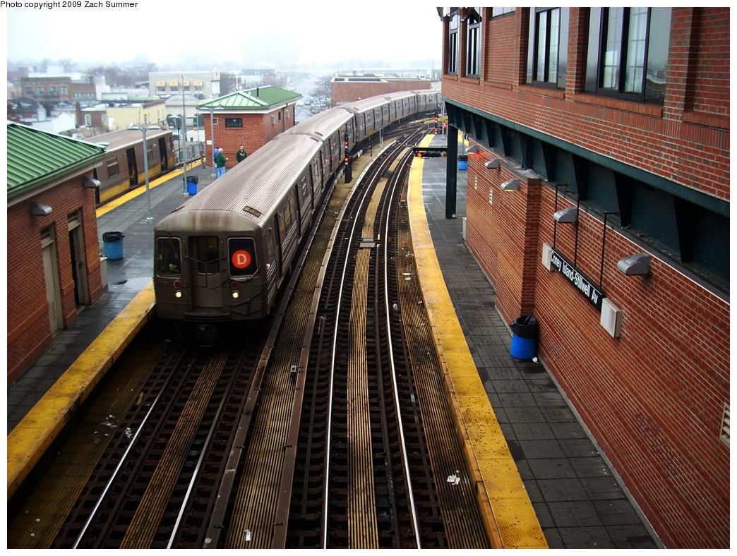 (374k, 1044x788)<br><b>Country:</b> United States<br><b>City:</b> New York<br><b>System:</b> New York City Transit<br><b>Location:</b> Coney Island/Stillwell Avenue<br><b>Route:</b> D<br><b>Car:</b> R-68 (Westinghouse-Amrail, 1986-1988)  2686 <br><b>Photo by:</b> Zach Summer<br><b>Date:</b> 12/27/2008<br><b>Viewed (this week/total):</b> 0 / 1778