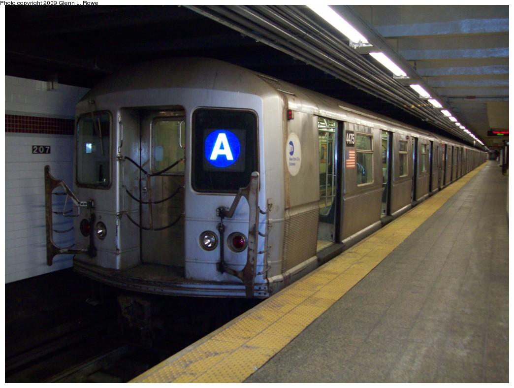 (182k, 1044x788)<br><b>Country:</b> United States<br><b>City:</b> New York<br><b>System:</b> New York City Transit<br><b>Line:</b> IND 8th Avenue Line<br><b>Location:</b> 207th Street <br><b>Route:</b> A<br><b>Car:</b> R-40M (St. Louis, 1969)  4475 <br><b>Photo by:</b> Glenn L. Rowe<br><b>Date:</b> 1/13/2009<br><b>Viewed (this week/total):</b> 1 / 1167