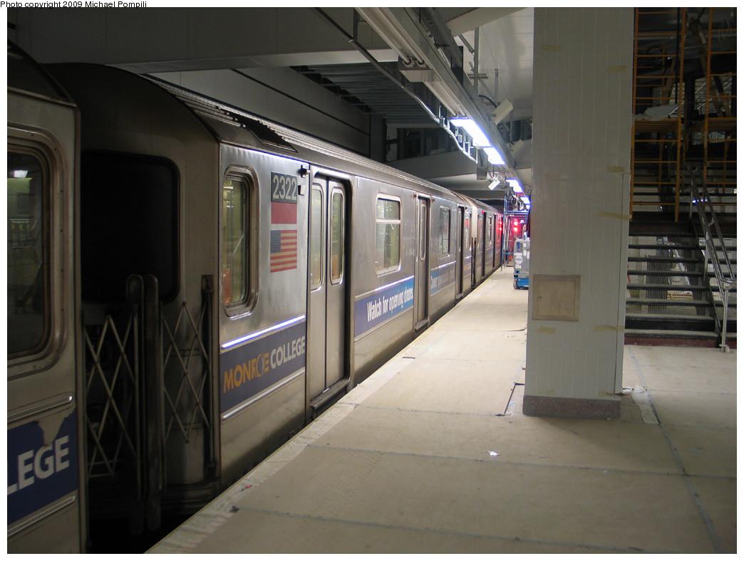 (219k, 1044x788)<br><b>Country:</b> United States<br><b>City:</b> New York<br><b>System:</b> New York City Transit<br><b>Line:</b> IRT West Side Line<br><b>Location:</b> South Ferry (New Station) <br><b>Car:</b> R-62A (Bombardier, 1984-1987)  2322 <br><b>Photo by:</b> Michael Pompili<br><b>Date:</b> 12/14/2008<br><b>Viewed (this week/total):</b> 1 / 1853