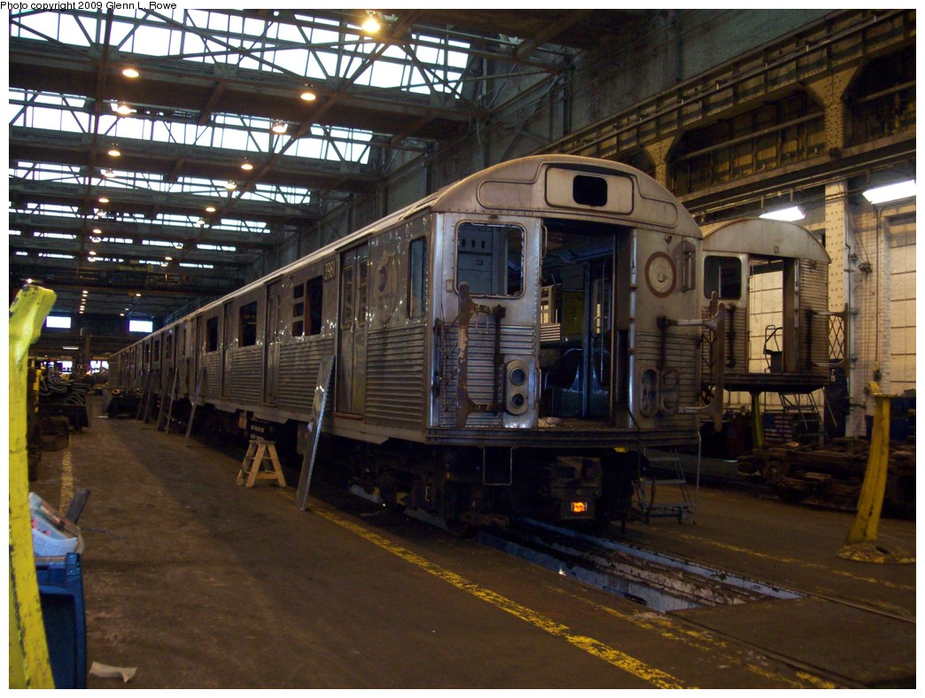(236k, 1044x788)<br><b>Country:</b> United States<br><b>City:</b> New York<br><b>System:</b> New York City Transit<br><b>Location:</b> 207th Street Shop<br><b>Car:</b> R-38 (St. Louis, 1966-1967)  3981 <br><b>Photo by:</b> Glenn L. Rowe<br><b>Date:</b> 1/15/2009<br><b>Notes:</b> Scrap<br><b>Viewed (this week/total):</b> 1 / 1343