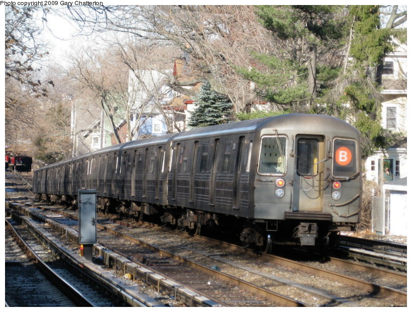 (199k, 820x620)<br><b>Country:</b> United States<br><b>City:</b> New York<br><b>System:</b> New York City Transit<br><b>Line:</b> BMT Brighton Line<br><b>Location:</b> Avenue H <br><b>Route:</b> B<br><b>Car:</b> R-68 (Westinghouse-Amrail, 1986-1988)  2808 <br><b>Photo by:</b> Gary Chatterton<br><b>Date:</b> 1/12/2009<br><b>Viewed (this week/total):</b> 2 / 1226