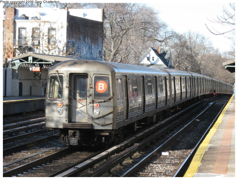 (170k, 820x620)<br><b>Country:</b> United States<br><b>City:</b> New York<br><b>System:</b> New York City Transit<br><b>Line:</b> BMT Brighton Line<br><b>Location:</b> Avenue H <br><b>Route:</b> B<br><b>Car:</b> R-68 (Westinghouse-Amrail, 1986-1988)  2828 <br><b>Photo by:</b> Gary Chatterton<br><b>Date:</b> 1/12/2009<br><b>Viewed (this week/total):</b> 0 / 1272
