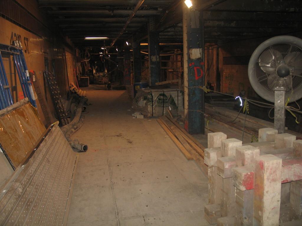 (187k, 1024x768)<br><b>Country:</b> United States<br><b>City:</b> New York<br><b>System:</b> New York City Transit<br><b>Line:</b> IND 8th Avenue Line<br><b>Location:</b> 42nd Street/Port Authority Bus Terminal (Lower Level) <br><b>Date:</b> 1/13/2009<br><b>Notes:</b> Work area.<br><b>Viewed (this week/total):</b> 2 / 7192