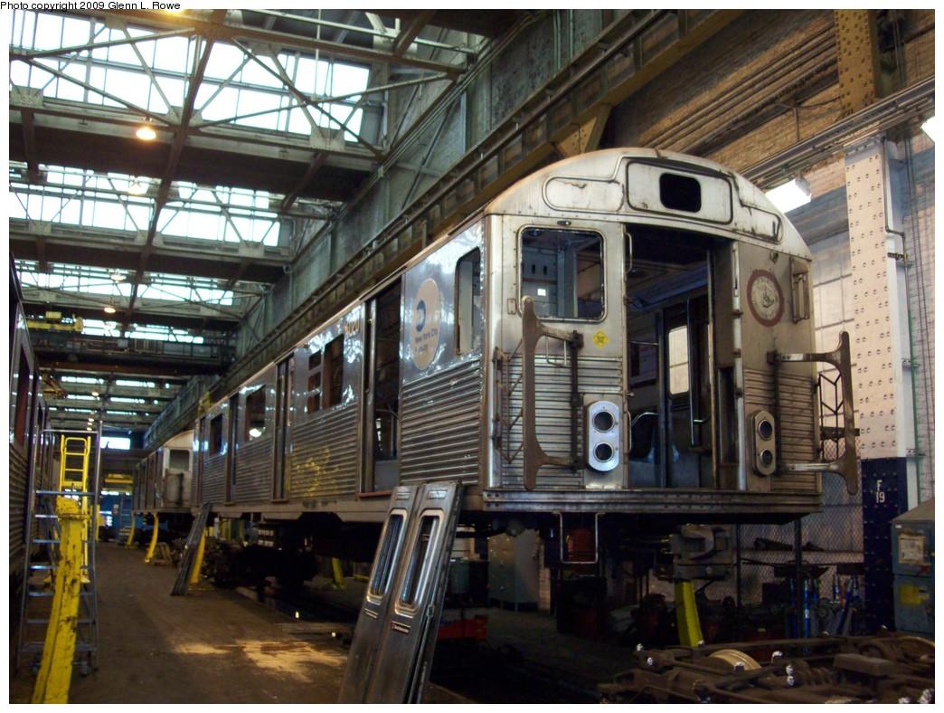 (255k, 1044x788)<br><b>Country:</b> United States<br><b>City:</b> New York<br><b>System:</b> New York City Transit<br><b>Location:</b> 207th Street Shop<br><b>Car:</b> R-38 (St. Louis, 1966-1967)  4020 <br><b>Photo by:</b> Glenn L. Rowe<br><b>Date:</b> 1/19/2009<br><b>Notes:</b> Scrap<br><b>Viewed (this week/total):</b> 0 / 876