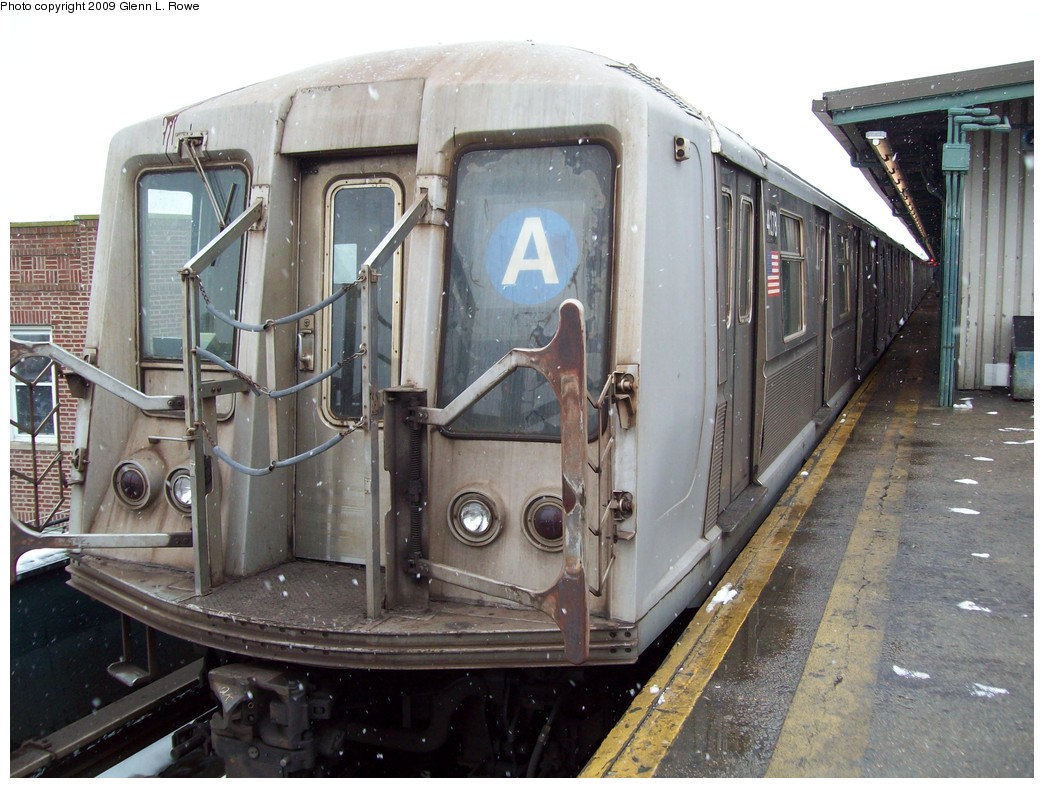 (230k, 1044x788)<br><b>Country:</b> United States<br><b>City:</b> New York<br><b>System:</b> New York City Transit<br><b>Line:</b> IND Fulton Street Line<br><b>Location:</b> Lefferts Boulevard <br><b>Route:</b> A<br><b>Car:</b> R-40 (St. Louis, 1968)  4278 <br><b>Photo by:</b> Glenn L. Rowe<br><b>Date:</b> 1/19/2009<br><b>Viewed (this week/total):</b> 0 / 1220