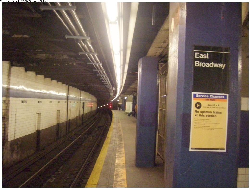 (202k, 1044x791)<br><b>Country:</b> United States<br><b>City:</b> New York<br><b>System:</b> New York City Transit<br><b>Line:</b> IND 6th Avenue Line<br><b>Location:</b> East Broadway <br><b>Photo by:</b> Roberto C. Tobar<br><b>Date:</b> 1/17/2009<br><b>Viewed (this week/total):</b> 2 / 1595