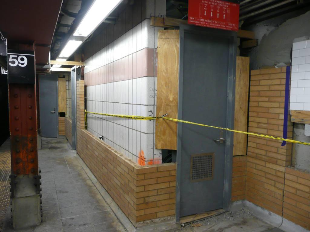 (107k, 1024x768)<br><b>Country:</b> United States<br><b>City:</b> New York<br><b>System:</b> New York City Transit<br><b>Line:</b> IRT West Side Line<br><b>Location:</b> 59th Street/Columbus Circle <br><b>Photo by:</b> Robbie Rosenfeld<br><b>Date:</b> 1/19/2009<br><b>Notes:</b> New tile/station rehab.<br><b>Viewed (this week/total):</b> 4 / 1103