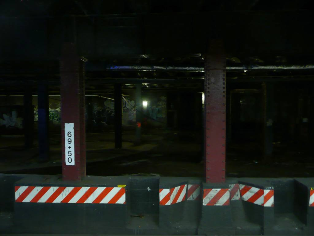 (44k, 1024x768)<br><b>Country:</b> United States<br><b>City:</b> New York<br><b>System:</b> New York City Transit<br><b>Line:</b> BMT Nassau Street/Jamaica Line<br><b>Location:</b> Essex Street <br><b>Photo by:</b> Robbie Rosenfeld<br><b>Date:</b> 1/21/2009<br><b>Notes:</b> View into old trolley terminal adjacent to Essex St.<br><b>Viewed (this week/total):</b> 0 / 3011