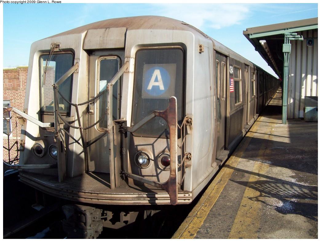 (238k, 1044x788)<br><b>Country:</b> United States<br><b>City:</b> New York<br><b>System:</b> New York City Transit<br><b>Line:</b> IND Fulton Street Line<br><b>Location:</b> Lefferts Boulevard <br><b>Route:</b> A<br><b>Car:</b> R-40 (St. Louis, 1968)  4364 <br><b>Photo by:</b> Glenn L. Rowe<br><b>Date:</b> 1/21/2009<br><b>Viewed (this week/total):</b> 2 / 1031