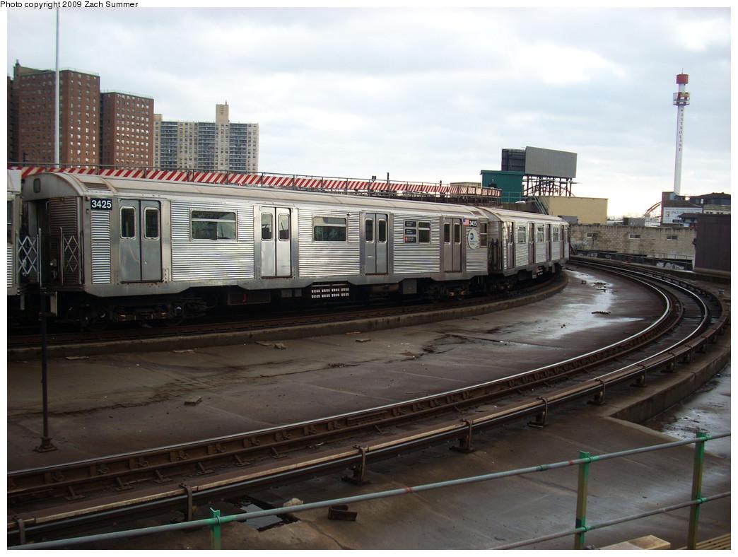 (248k, 1044x788)<br><b>Country:</b> United States<br><b>City:</b> New York<br><b>System:</b> New York City Transit<br><b>Location:</b> Coney Island/Stillwell Avenue<br><b>Route:</b> F<br><b>Car:</b> R-32 (Budd, 1964)  3425 <br><b>Photo by:</b> Zach Summer<br><b>Date:</b> 12/28/2008<br><b>Viewed (this week/total):</b> 1 / 1493