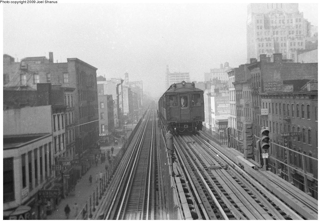 (226k, 1044x726)<br><b>Country:</b> United States<br><b>City:</b> New York<br><b>System:</b> New York City Transit<br><b>Line:</b> 3rd Avenue El<br><b>Location:</b> 9th Street <br><b>Car:</b> MUDC  <br><b>Viewed (this week/total):</b> 0 / 2265
