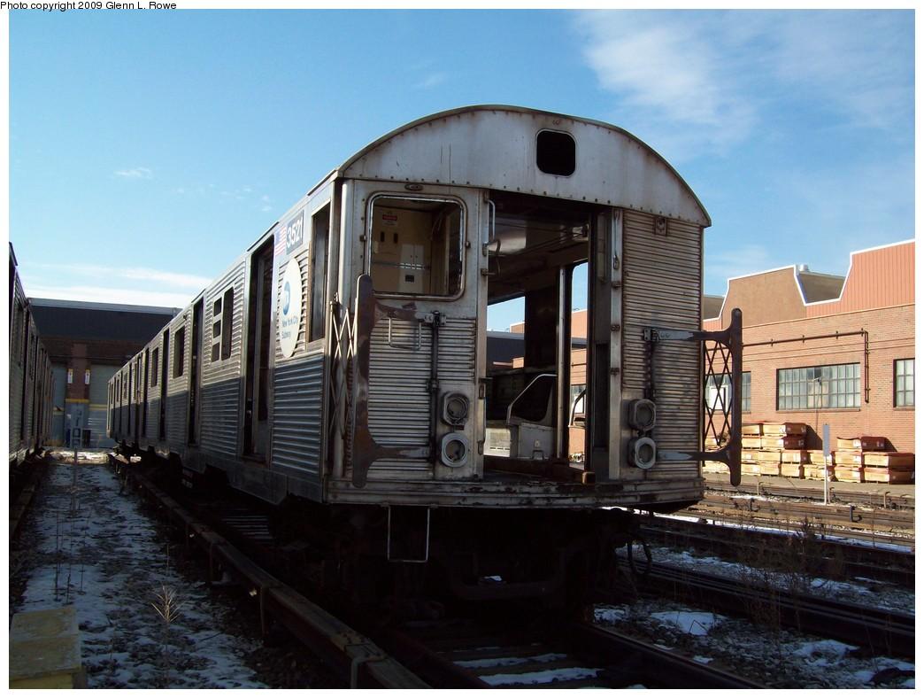 (213k, 1044x788)<br><b>Country:</b> United States<br><b>City:</b> New York<br><b>System:</b> New York City Transit<br><b>Location:</b> 207th Street Yard<br><b>Car:</b> R-32 (Budd, 1964)  3521 <br><b>Photo by:</b> Glenn L. Rowe<br><b>Date:</b> 1/26/2009<br><b>Notes:</b> Scrap<br><b>Viewed (this week/total):</b> 1 / 1087
