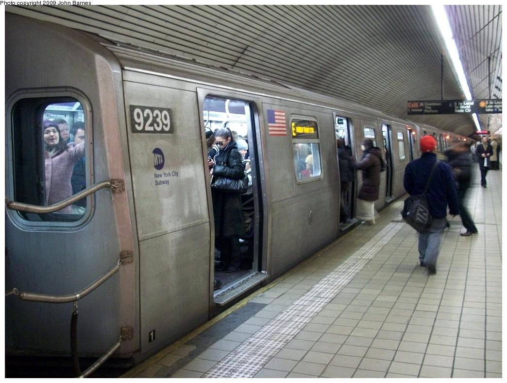(240k, 1044x788)<br><b>Country:</b> United States<br><b>City:</b> New York<br><b>System:</b> New York City Transit<br><b>Line:</b> IND Queens Boulevard Line<br><b>Location:</b> 5th Avenue/53rd Street <br><b>Route:</b> E<br><b>Car:</b> R-160A (Option 1) (Alstom, 2008-2009, 5 car sets)  9239 <br><b>Photo by:</b> John Barnes<br><b>Date:</b> 1/24/2009<br><b>Viewed (this week/total):</b> 0 / 2199