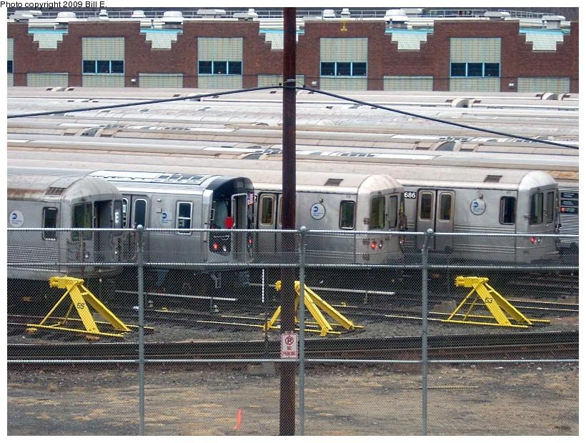 (241k, 820x620)<br><b>Country:</b> United States<br><b>City:</b> New York<br><b>System:</b> New York City Transit<br><b>Location:</b> Jamaica Yard/Shops<br><b>Car:</b> R-160A/R-160B Series (Number Unknown)  <br><b>Photo by:</b> Bill E.<br><b>Date:</b> 12/28/2008<br><b>Viewed (this week/total):</b> 0 / 2086