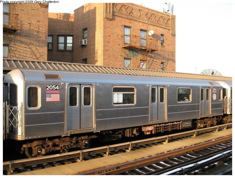 (172k, 820x620)<br><b>Country:</b> United States<br><b>City:</b> New York<br><b>System:</b> New York City Transit<br><b>Line:</b> IRT Flushing Line<br><b>Location:</b> 52nd Street/Lincoln Avenue <br><b>Route:</b> 7<br><b>Car:</b> R-62A (Bombardier, 1984-1987)  2054 <br><b>Photo by:</b> Gary Chatterton<br><b>Date:</b> 1/22/2009<br><b>Viewed (this week/total):</b> 1 / 1229