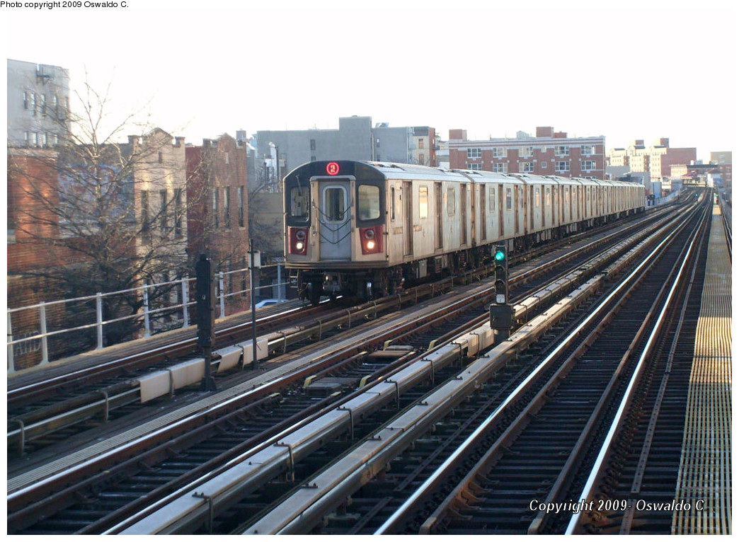(275k, 1044x766)<br><b>Country:</b> United States<br><b>City:</b> New York<br><b>System:</b> New York City Transit<br><b>Line:</b> IRT White Plains Road Line<br><b>Location:</b> 174th Street <br><b>Route:</b> 2<br><b>Car:</b> R-142 or R-142A (Number Unknown)  <br><b>Photo by:</b> Oswaldo C.<br><b>Date:</b> 1/14/2009<br><b>Viewed (this week/total):</b> 1 / 1440